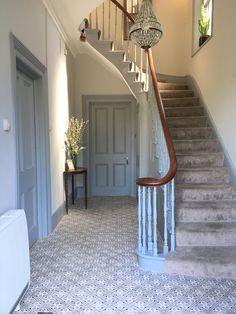 Tiled hallway ideas staircase stairs design decor in hallway hallway tiles tiled hallway cheap hallway flooring Grey Hallway, Tiled Hallway, House Stairs, Carpet Stairs, Hallway Carpet, Carpet Tiles, Victorian Decor, Victorian Homes, Edwardian Hallway