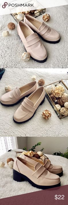 💕Cute Chunky Ivory/Light Pink Shoes💕 Very cute shoes, 1.5 inches heels. Chunky looking. Like new. Shoes Platforms