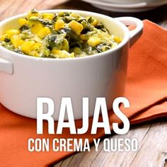 rajas con crema y queso - creamy poblano peppers and corn Mexican Cooking, Mexican Food Recipes, Chinese Recipes, Latin Food, Mexican Dishes, Indian Dishes, Food Dishes, Food Videos, Love Food