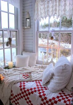 Elegant Interior Theme : Christmas Bedroom Decorating concepts December is the starting month of winter so what if we decorate our room with Christmas theme? Here are some amazing Christmas bedroom decor ideas for you to make your bedroom feel cosy! Winter Bedroom Decor, Christmas Bedroom, Cozy Bedroom, Bedroom Ideas, Apartment Christmas, Cozy Christmas, Fall Decor, Master Bedroom, Cottage Christmas