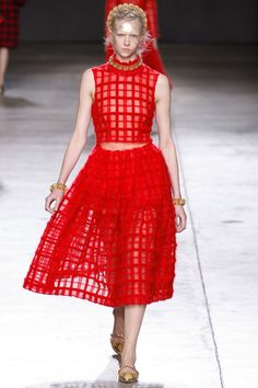 Simone Rocha Fall 2014 RTW - Runway Photos - Fashion Week - Runway, Fashion Shows and Collections - Vogue