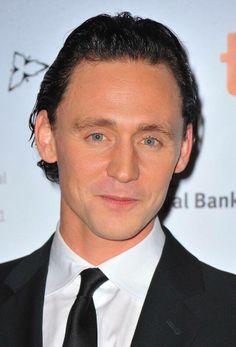 Oh my goodness, love him with black hair, too!  Loki-Tom!