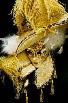 Maschera veneziana by Venice Carnival Costumes, Mardi Gras Carnival, Mardi Gras Costumes, Carnival Of Venice, Carnival Masks, Venitian Mask, Costume Venitien, Venice Mask, Masks Art