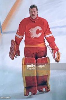 Reggie Lemelin (1980-87) Ice Hockey Teams, Hockey Goalie, Hockey Games, Goalie Mask, Toronto Maple, Calgary, Nhl, Skate, Baseball Cards