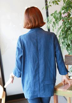 Today's Hot Pick :シングルボタンロング丈リネンジャケット【Lemite】 http://fashionstylep.com/SFSELFAA0013792/min3111jpp/out リネンとコットンの混紡素材を使ったロングジャケットです。 コットン入りだから柔らかい肌触りで着心地がGOOD♪ しわになりにくい生地でお手入れも楽ちん☆ ルーズなシルエットとロング丈が特徴のシンプルカジュアルジャケットです! ※交換、返品が難しい商品ですので慎重にご検討下さい。