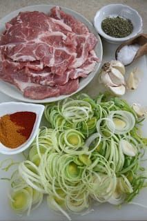 Discover recipes, home ideas, style inspiration and other ideas to try. I Love Food, Good Food, Yummy Food, Pork Recipes, Cooking Recipes, Healthy Recipes, Snacks Für Party, Christmas Cooking, Pork Dishes