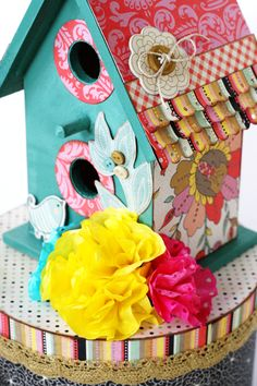 Pretty birdhouse by Greta Hammond