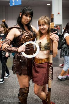 """Xena & Gabrielle of Xena : Warrior Princess - original cast members : Lucy Lawless & Renée O'Connor - Xena's trademark weapon : Chakram (chalikar) - circular with sharpened outer edge - 4.7-11.8"""" (12-30 cm) diameter; generally - character creator : Christian Williams (originally in the series : Hercules : The Legendary Journeys)"""