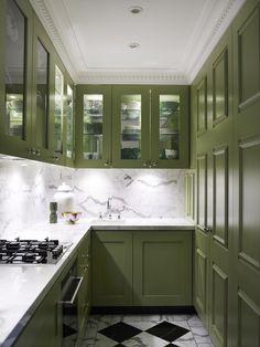 Кухня в оливковых тоннах