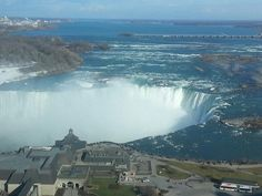 If you're planning a trip to Niagara Falls, you obviously want to stay somewhere nice. Check out the best Niagara Falls hotels so you can find a great place! Great Places, Places Ive Been, Places To Visit, Niagara Falls Hotels, Great Buildings And Structures, Adventure Awaits, Architecture Art, Scenery, Falling Waters