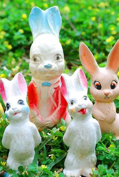 Vintage chalkware rabbit figurines