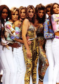 Beverly Peele, Emma Sjoberg, Elaine Irwin-Mellencamp, Cindy Crawford, Niki Taylor, Stephanie Seymour & Carla BruniVersace, early 90s