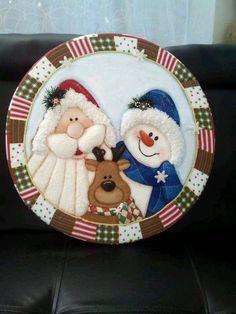 #SomeChristmasDecorations Easy Christmas Crafts, Christmas Items, Felt Christmas, Christmas Projects, Christmas Decorations, Christmas Ornaments, Merry Christmas, Holiday Decor, Reindeer Handprint