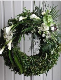 Wreath                                                                                                                                                                                 Mehr
