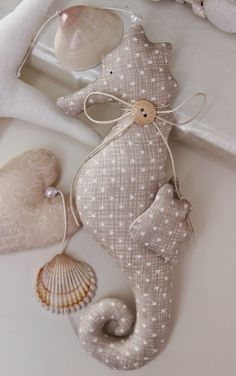 Vicky und Ricky: May 2014 neutral color fabric seahorse