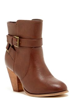 Bucco Nouvelle Ankle Boot | Nordstrom Rack - for whacking bush!
