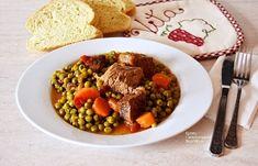 Μοσχαράκι με αρακά και καρότα - cretangastronomy.gr Chana Masala, Acai Bowl, Beef, Plates, Cooking, Breakfast, Ethnic Recipes, Food, Meat