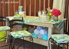 Of course a house party should have a bright tropical poolside bar!