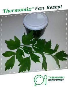 Liebstöckel / Maggikraut Grundstock Paste von easter.little. Ein Thermomix ® Rezept aus der Kategorie Grundrezepte auf www.rezeptwelt.de, der Thermomix ® Community.