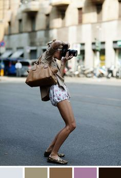 The Sartorialist - Scott Schuman - Street style inspiration for CATs Vintage The Sartorialist, Look At You, Girls With Cameras, Cute Shorts, Comfy Shorts, Short Shorts, Fashion Essentials, Style Essentials, Street Style