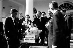 John F. Kennedy pardons a turkey
