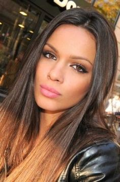 Makeup for brunettes. Natural makeup. Everyday beauty tips.