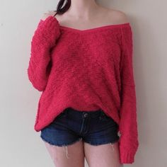 """Free People Slouchy Oversized Sweater In excellent condition. Size medium, can fit a small or large as well. Super fluffy """"high low"""" sweater. The color is more pink than red, but my camera made the color look more red than it actually is. Smoke/pet free home. Ask all questions before buying  NO trades❌ Bundle for a discount  Free People Sweaters Crew & Scoop Necks"""