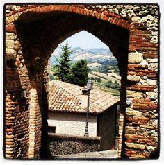 #Rimini e dintorni... discovering #Verucchio http://www.riminiwebtv.com/verucchio-il-fantasma-di-malatestino-video_04713a0da.html