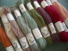DIY sophie.  use needlepoint  yarns  http://p9.storage.canalblog.com/95/07/77882/49716479_p.jpg
