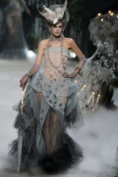 Stella Tennant in Christian Dior Haute Couture by John Galliano Fashion Show, Fall/Winter 2005