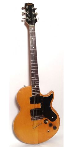 Electric Guitars : Gibson L6s c1970s Gibson Electric Guitar, Gibson Guitars, Bass Guitars, Electric Guitars, Guitar Pics, Music Guitar, Cool Guitar, Gibson Les Paul Jr, Making Musical Instruments