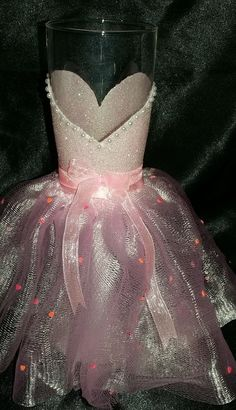 DIY Wedding Decorations - Glittered Wine Glasses - The Bridesmaid No2