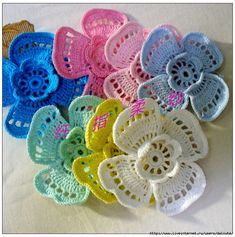 In your collection – knitted flowers. В вашу коллекцию — вязаные цветочки. More Great Patterns Like This