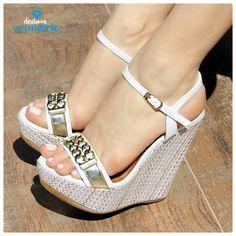 sandália anabela - salto alto - heels - correntes - dourado - Ref. 14-13601 - Alto Verão 2015