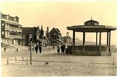 De muziektent aan de Boulevard van Katwijk, overleefde de storm van 1953 niet.