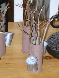 Image result for bricolage cabane à sucre Maple Syrup Tree, Maple Tree, Daycare Themes, Sugar Bush, Tree Study, Sugaring, Preschool Songs, Sugar Craft, Tree Crafts