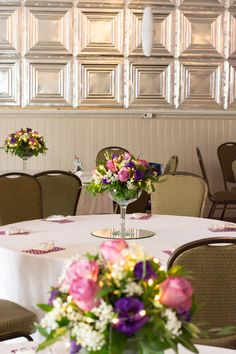 #receptionflowers#weddingcenterpieces#weddingflowers#martiniglass#tablesetting#bradfordgreenhouses