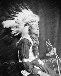 Chief Lone Bear A Sioux Indian Vintage 8x10 Reprint Of Photo Chief Lone Bear A Sioux Indian Vintage 8x10 Reprint Of Photo Here is a neat collectible featuring Chief Lone Bear, a Sioux Indian. Vintage