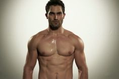 'Teen Wolf' star Tyler Hoechlin being heavily considered to play Batman in Man of Steel sequel