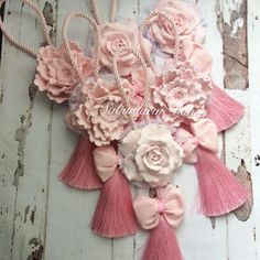 Diy And Crafts, Paper Crafts, Yarn Crafts, Chocolate Wrapping, Soap Display, Candle Craft, Soap Favors, Yarn Wall Hanging, Shabby Chic Crafts