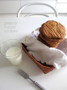 Peanut Butter Cookies, Glass Of Milk, Food, Peanut Butter Chip Cookies, Essen, Meals, Yemek, Eten