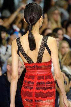 Tresse en épi de blé courte Fashion Week Londres défilé Teatum Jones