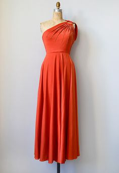 e04178b2442 Feminine   Romantic Style Inspired By Vintage Clothing