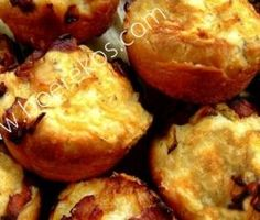 Dough Biltong and Cheese Muffins Cheese Scones, Cheese Muffins, Cheese Pies, Kos, Savory Muffins, Savory Snacks, Baking Muffins, Easy Snacks, Muffin Tin Recipes