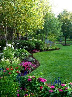 52 Beautiful Backyard Garden Design Ideas Can For Your Garden Planning Backyard Garden Design, Lawn And Garden, Backyard Trees, Garden Paths, Front Yard Landscape Design, Wooded Backyard Landscape, Simple Landscape Design, Garden Front Of House, Landscape Timbers