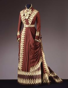 Worth day dress ca. 1880. From the Galleria del Costume di Palazzo Pitti via Europeana Fashion.