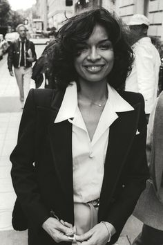 Petite Fashion, 70s Fashion, Timeless Fashion, Love Fashion, Vintage Fashion, Womens Fashion, Bianca Jagger, Mick Jagger, Dramatic Classic