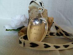 Life is a beauty - I praise it! Langt smykke lagd av en spiseskje i 60 g sølvlegering.  Facebook.com/ByJaneM/ www.epla.no/shops/byjanem/
