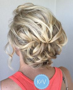 60 Creative Updo Ideas for Short Hair Lacy Loose Messy Curls Updo Short Hair Bun, Prom Hairstyles For Short Hair, Trending Hairstyles, Up Hairstyles, Formal Hairstyles, Elegant Hairstyles, Curly Haircuts, Teenage Hairstyles, Curling Short Hair