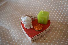 Cuore in legno con decorazione in polvere di ceramica